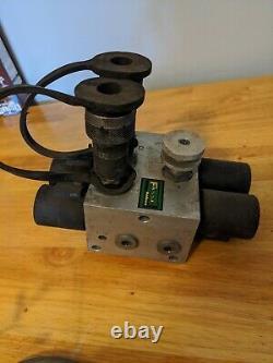 Fasse Hydraulic Multiplier Splitter Diverter Valve & Control Switch Box