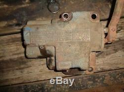 Ford Tractor 861-841-801 Hydraulic Top Cover Hydraulic Cylinder Control Valve