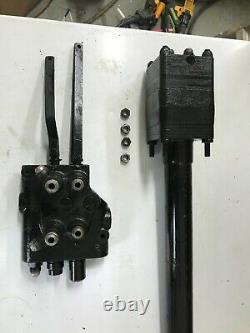John Deere 318 steering column (4 port)/ hydraulic control valve