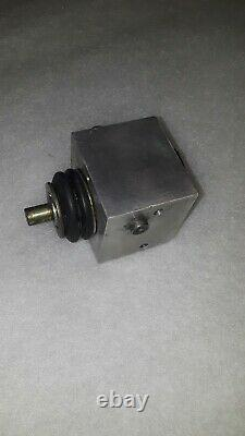 Mercedes 450SEL 6.9 116.036 Hydraulic Suspension Height Control Valve 1263200658