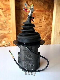 Parker Hydraulic Joystick Controller Model HC 1024 6/10 NEW Free Shipping