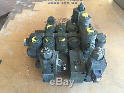 Unimog FLU419 HYDRAULIC CONTROL VALVE FRONT LOADER A4195537102 N-993653